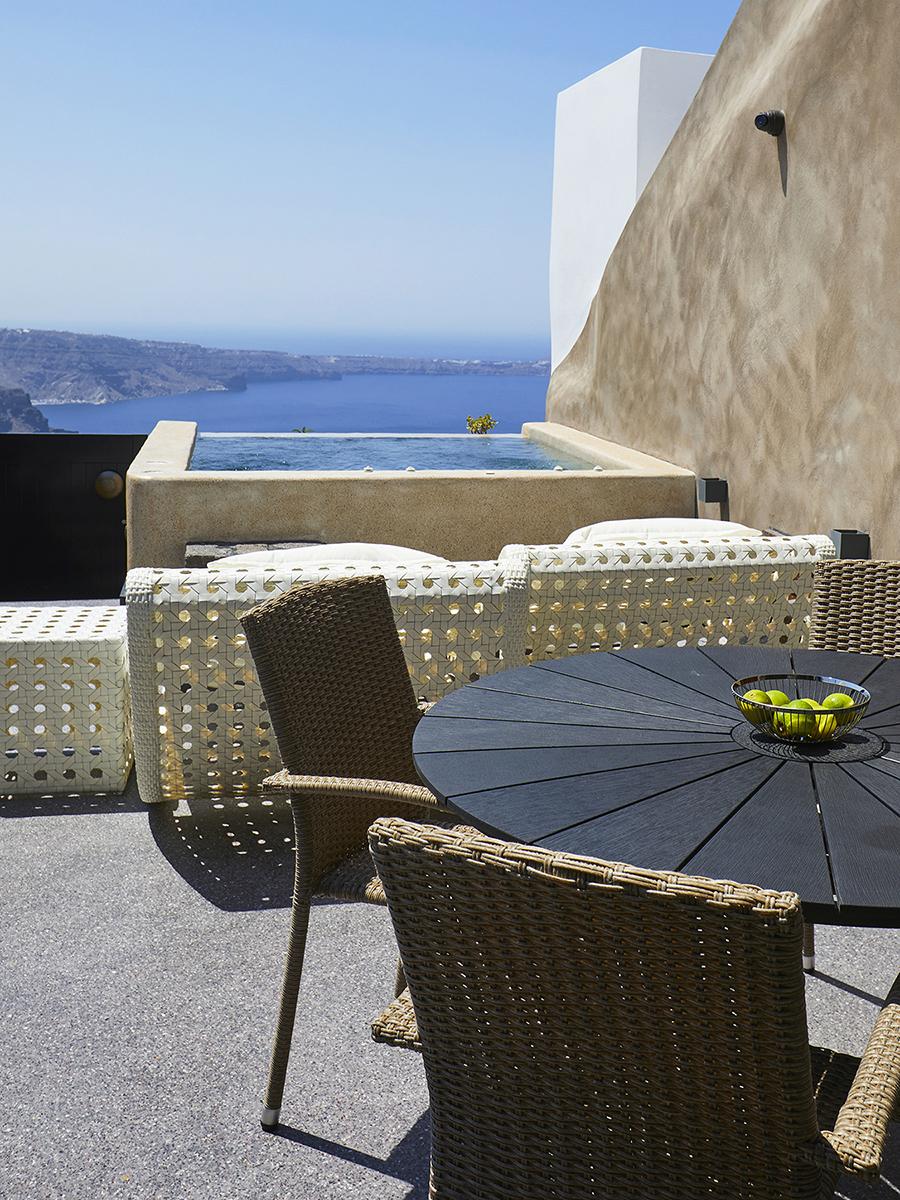 O23 TAD 4-3 2560 blue dome luxury villa_100A0366